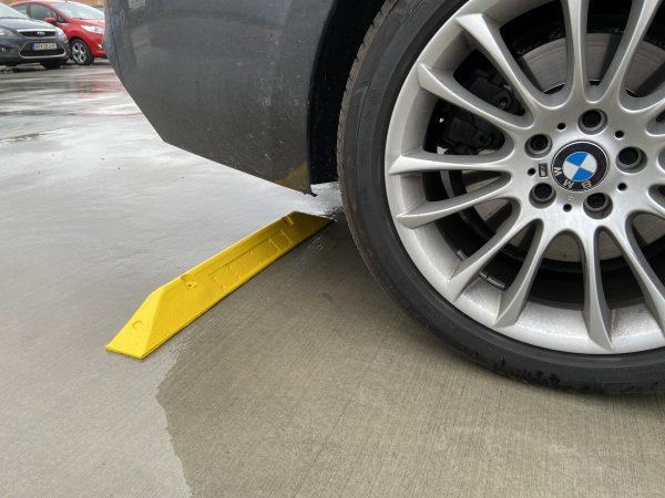 05-Parkovacie zábrany a parkovanie